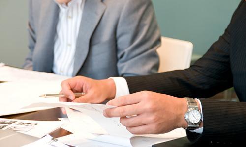 会社からの前借りと退職について